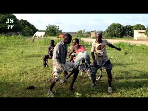 Eddy kenzo free style-- danced by zigido group of nema nding (senegal)