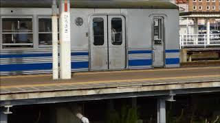 弘前駅に到着する、弘南鉄道7150系電車