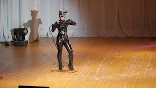 1 31  Линочка Ли   Бэтмен возвращается   Женщина Кошка