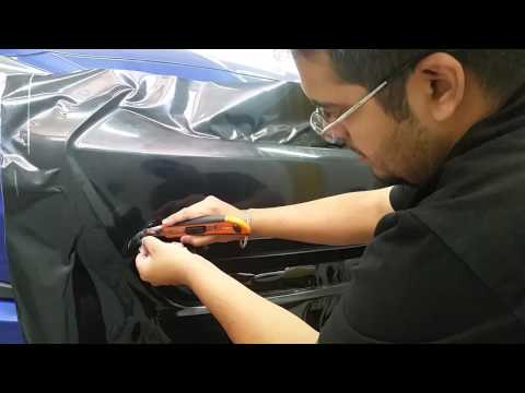 Instalacin de vinilo en frontal de Hyundai Accent Installing Vinyl Wrapping on front of car