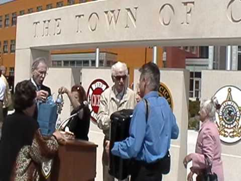 Cicero, Illinois Celebrates Polish Constitution with Song
