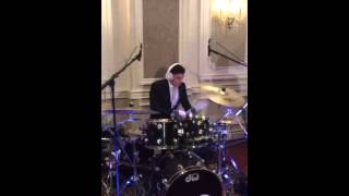 Beri Weber rocks wedding with Shaya Dovid heller on drums with evanal orchestra