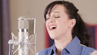 """Lena Hall Obsessed: Muse – """"Starlight"""