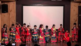 03 Gujarati Dance   Dholida Dhol re vagad