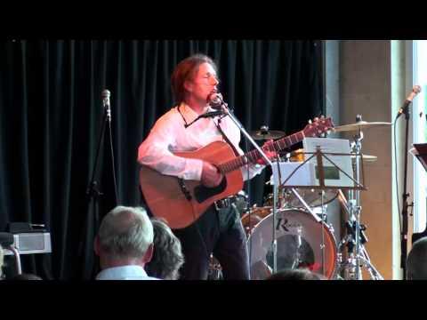 "Tom Kirk - ""Nazi am Dorfteich"", live im ""Kukuc"""