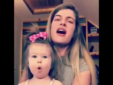 One-year-old Irish girl is blown away by her mammy's amazing singing voice