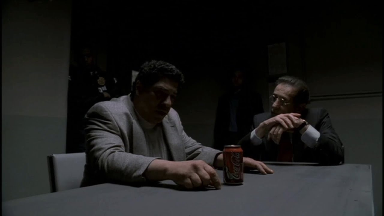 Download Pussy is cornered in a heroin bust (The Sopranos)