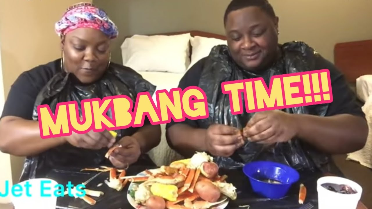 Crab Leg and Shrimp Mukband in Hotel Room (No Smacking, Funny Commentary)
