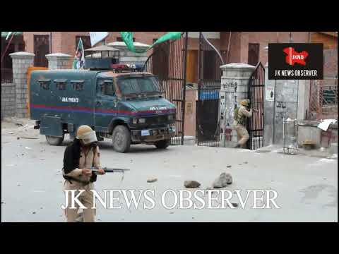 Clashes erupted after Friday Prayer at Jamia Masjid srinagar kashmir. JKNO