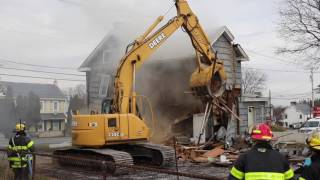 02.07.17 House collapses after explosion in Ronks