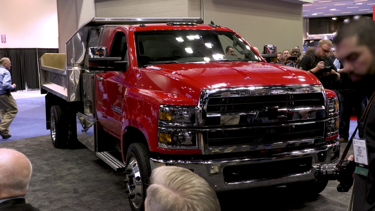 First Reactions To The All-New 2019 Chevrolet Silverado Chassis Cabs | GM Fleet - YouTube