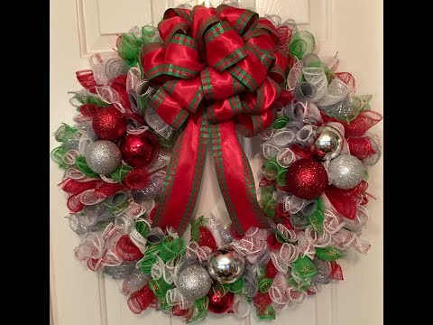 Mesh Curls Christmas Wreath