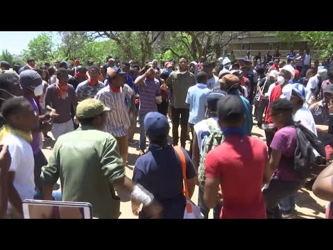 South African students continue to demande free education