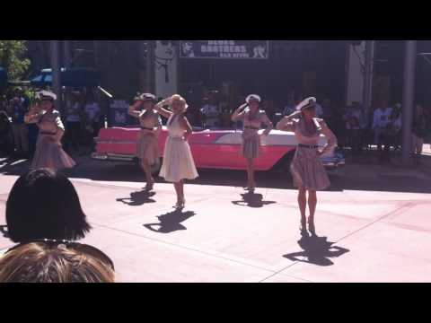 LIVE! Marilyn Monroe Singing, Dancing and Performance at Universal Hollywood Studios California