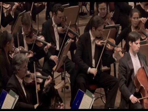 Daniel Müller-Schott plays Saint-Säens Concerto at the Konzerthaus Berlin LIVE