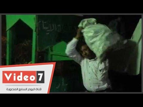 اليوم السابع : بالفيديو..حى حلوان يصادر فاكهة وخضروات الباعة الجائلين ويسلمها لدار أيتام