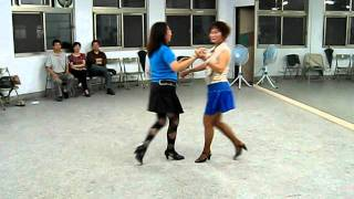 (曼妙舞姿)三步吉魯巴教學示範.AVI