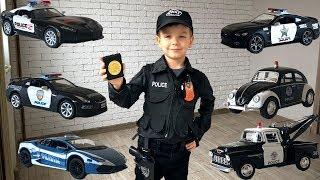Марк стал полицейским. Учим марки больших полицейских машинок. Видео для детей.