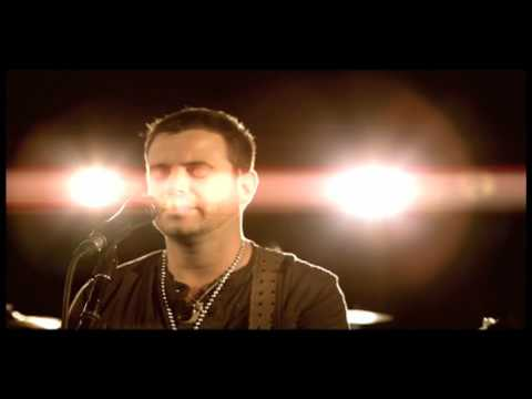 "Wade Bowen - ""Trouble"" - Official Music Video"