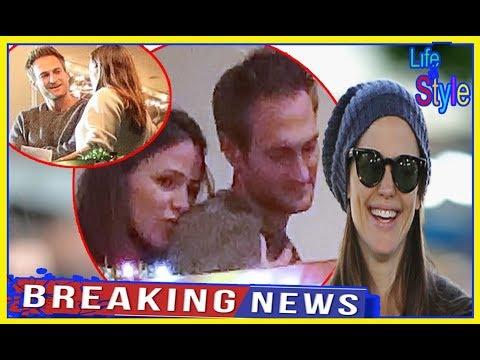 Jennifer Garner Kisses John Miller As They're Seen Snuggling On Romantic Date!.