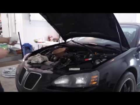Pontiac Grand Prix GXP - Let's change the oil in our LS4