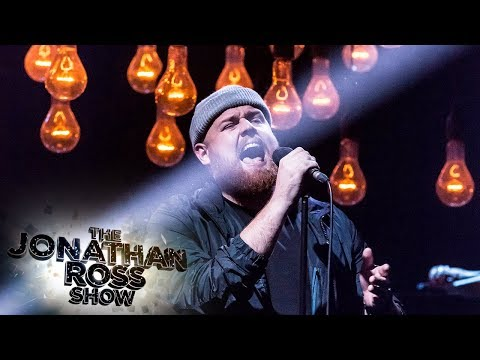 tom-walker---better-half-of-me-[live-performance]-|-the-jonathan-ross-show