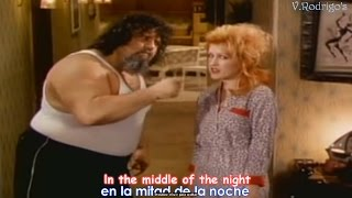 Cyndi Lauper - Girls just want to have fun [Lyrics y Subtitulos en Español]