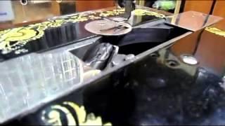 Швейная машинка Зингер 1911г работа челнока(Работа челнока в Зингер., 2012-10-24T19:32:46.000Z)