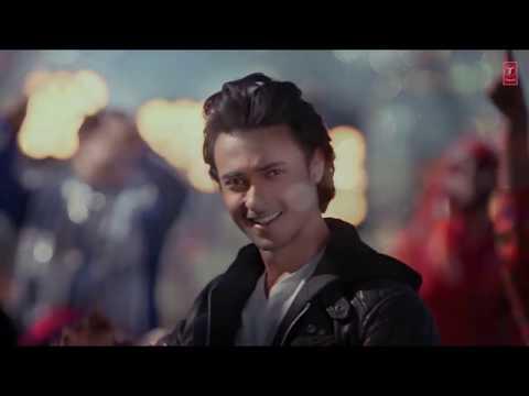 ho-avi-gayi-raat-ana-bhulo-badi-baat- -chogada-video-song-with-lyrics- -loveyatri-garba-song