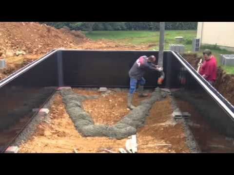 Coulage suite piscine desjoyaux youtube for Construction piscine desjoyaux youtube