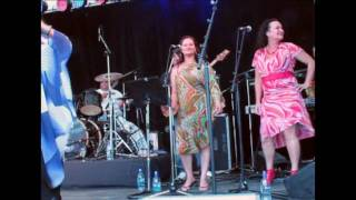 Video Annie Crummer & Give it a Girl play at Harvest Hawkes Bay download MP3, 3GP, MP4, WEBM, AVI, FLV Juli 2018