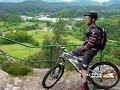 watch he video of 27.5 Zoll / 650b vs.  26 Zoll Mountainbike Test
