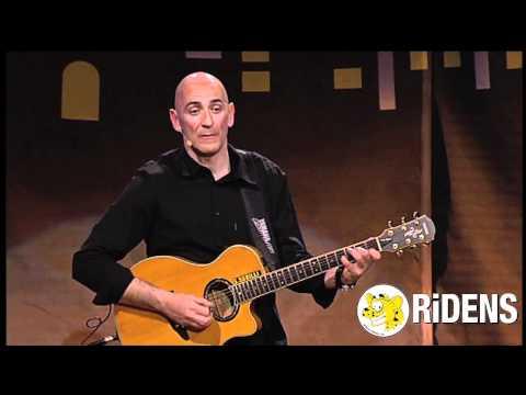 Sergio Sgrilli: in Comico o Musicista?