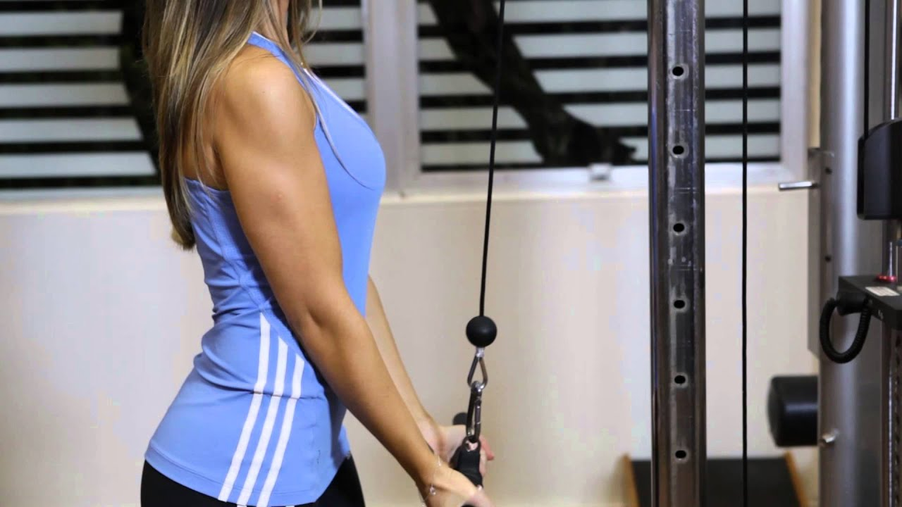 Triceps polia barra pronada