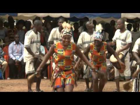 Tématé Djouhodê en prestation à l'intronisation du chef de  Facobly le 4 Juillet 2015