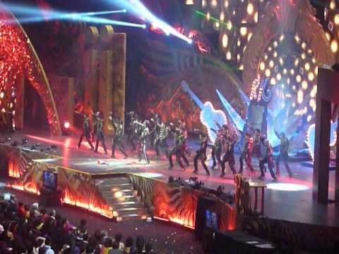 IIFA 2012 (Singapore) Ranbir Kapoor Performance (Sadda Haq : Rockstar)