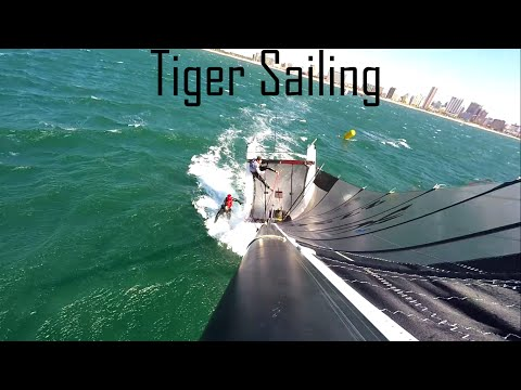 Hobie Cat: Tiger Sailing & Wipeout[HD]