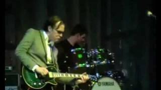 Смотреть видео В Москве выступил гитарист Джо Бонамасса онлайн