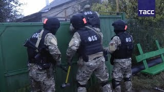 Кадры задержания участников ''Хизб ут-Тахрир''* в Татарстане thumbnail