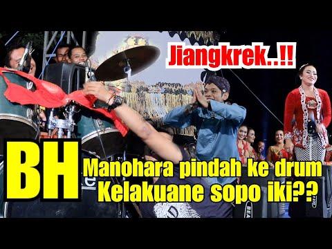 Manohara nangis!!! Bh nya di lempar ke drum!
