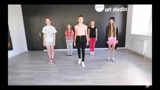 Урок намер один танцев опен кидс ,извините что звука нет , ставь лайк , и подписыйся на канал.