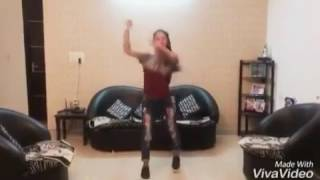 Kadar Kari di nakhre ni karide,super dance by cute Punjabi girl,,