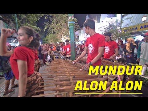MUNDUR ALON ALON Angklung Carehal - Nyanyi Bareng Kualitas Musik Tambah Asik (Angklung Malioboro)