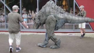 Dino-Alarm im FESTLAND Hamburg!