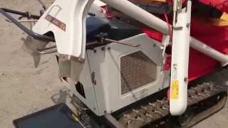 収穫機 クローラー型 ハーベスター カタクラ FG75 稲・麦脱穀 片倉機器工業株式会社