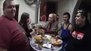 Застолье пьянка с девушками гулянка
