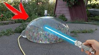 WAS PASSIERT WENN MAN Laser VS Aqualinos in riesen Wasserballon benutzt.
