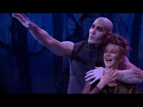 Puck & Oberon in a scene from A Midsummer Night's Dream @ Studio 58 en streaming