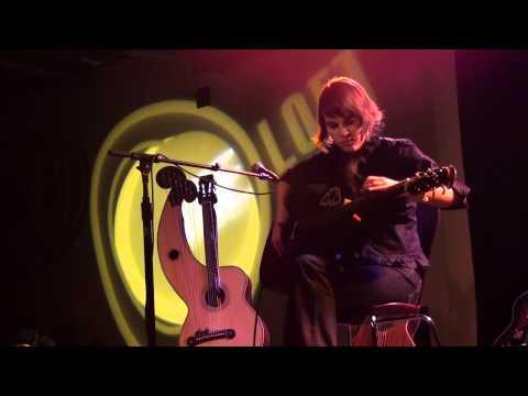 1/16 Kaki King - Bone Chaos In The Castle [Acoustic] (HD) mp3