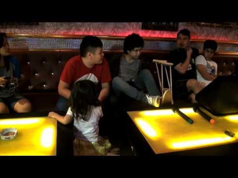 Dhani Buka Karaoke Untuk Bantu Korban Kecelakaan Dul
